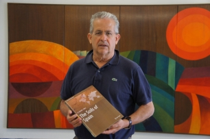 """""""Els sòls d'Espanya"""" nou llibre publicat"""